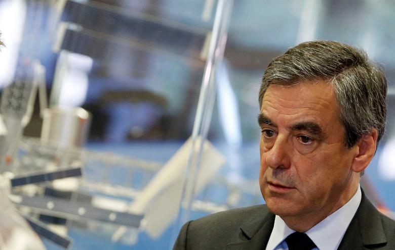 Francois Fillon, former French Prime Minister, member of the Republicans political party and 2017 French presidential election candidate of the French centre-right, visits the French National Space Agency (CNES) in Toulouse, France, April 13, 2017.   REUTERS/Regis Duvignau