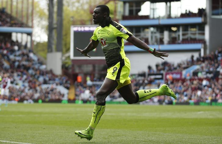 Britain Soccer Football - Aston Villa v Reading - Sky Bet Championship - Villa Park - 15/4/17 Joseph Mendes celebrates scoring the second goal for Reading  Mandatory Credit: Action Images / Matthew Childs Livepic