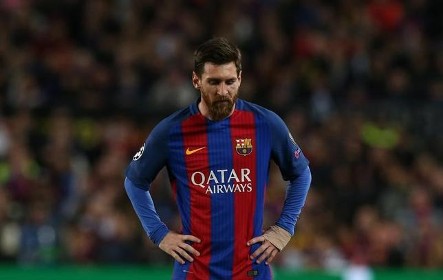 4月19日、サッカーの欧州CL準々決勝第2戦、バルセロナはホームでユベントスと0─0で引き分け、2戦合計0─3で敗退した。写真は無得点に終わったリオネル・メッシ(2017年 ロイター)