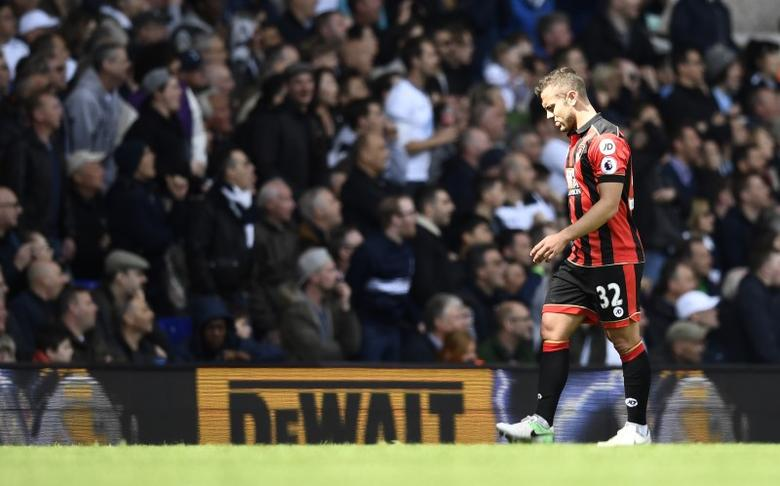 Britain Soccer Football - Tottenham Hotspur v AFC Bournemouth - Premier League - White Hart Lane - 15/4/17 Bournemouth's Jack Wilshere walks off to be substituted  after sustaining an injury  Reuters / Dylan Martinez Livepic