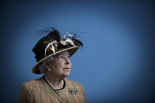 Britain's Queen Elizabeth in London in this February 29, 2012 file photo. REUTERS/Eddie Mulholland/Pool/Files