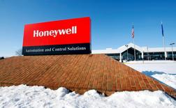 FILE PHOTO: A view of the corporate sign outside the Honeywell International Automation and Control Solutions manufacturing plant in Golden Valley, Minnesota, January 28, 2010. REUTERS/Eric Miller/File Photo