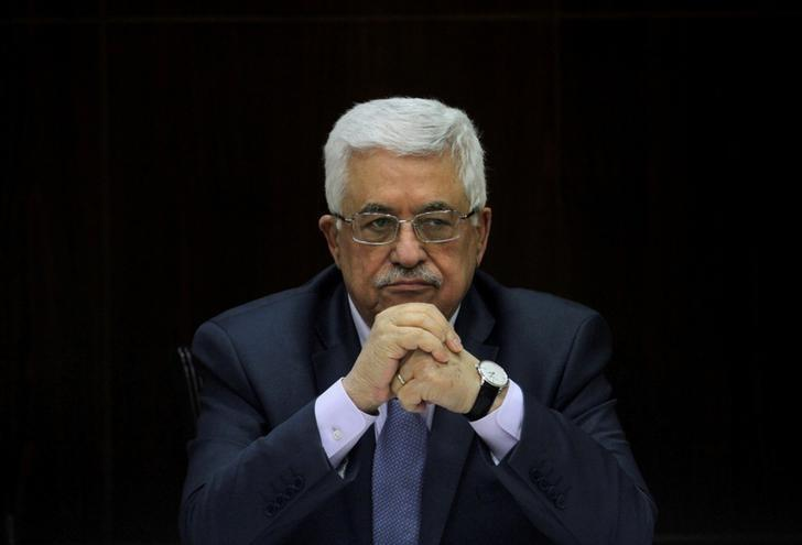 Palestinian President Mahmoud Abbas heads a Palestinian cabinet meeting in the West Bank city of Ramallah July 28, 2013. REUTERS/Issam Rimawi/Pool/Files