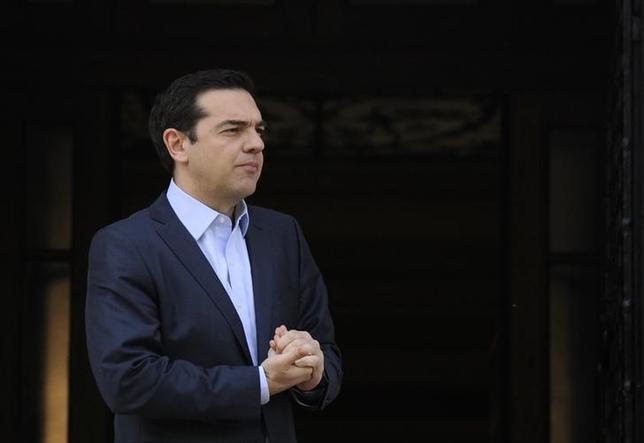 4月25日、ギリシャのチプラス首相(写真)は、国際債権団と大筋合意した改革案の実行は債権団が一段の債務削減に応じることが条件になるとの考えを示した。5日撮影(2017年 ロイター/Michalis Karagiannis)