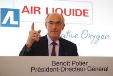 Air Liquide a publié mercredi un chiffre d'affaires en progression de 38,5% au premier trimestre, dopé par l'acquisition de l'américain Airgas, tandis que sa croissance à données comparables est ressortie à 1,5%. /Photo d'archives/REUTERS/Charles Platiau