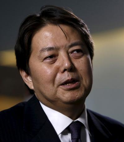 4月26日、林芳正元農水相はロイターのインタビューで、先の日米経済対話について、アベノミクスの3本の矢が、日米間で文書の形で確認されたことを評価しつつ、日本は2国間の対話を急ぐ必要はないと述べた。2016年1月撮影(2017年 ロイター/Yuya Shino)