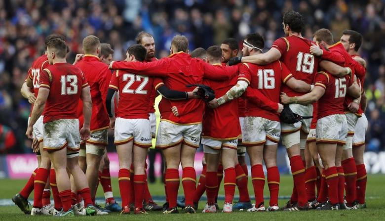Britain Rugby Union - Scotland v Wales - Six Nations Championship - BT Murrayfield Stadium, Edinburgh - 25/2/17 Wales team huddle after the game  Action Images via Reuters / Lee Smith Livepic