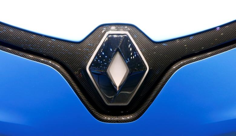 FILE PHOTO: The logo of Renault is seen during the 87th International Motor Show at Palexpo in Geneva, Switzerland March 8, 2017. REUTERS/Arnd Wiegmann/File Photo
