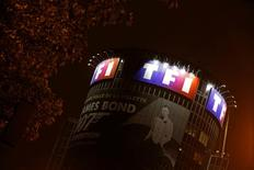 Le groupe TF1 a renoué avec les profits au premier trimestre, soutenu notamment par la progression des recettes publicitaires sur ses chaînes de la TNT. /Photo d'archives/REUTERS/Jacky Naegelen