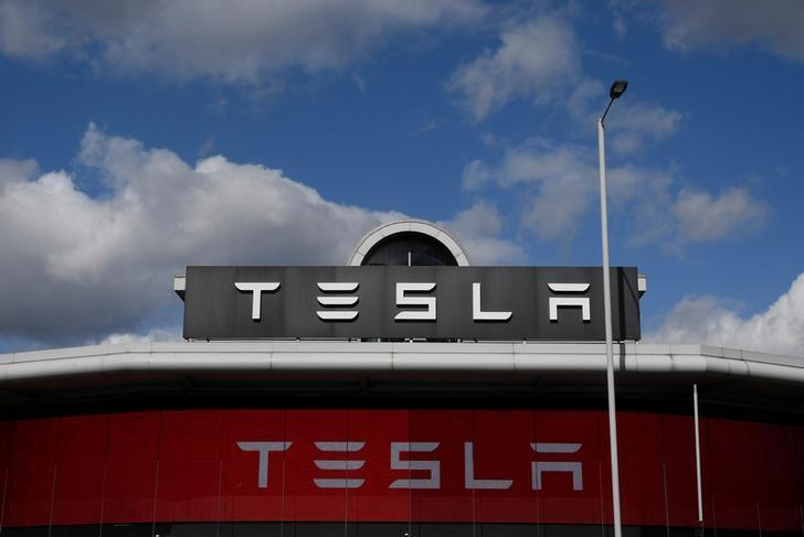 A Tesla car showroom is seen in west London, Britain, March 21, 2017.  REUTERS/Toby Melville
