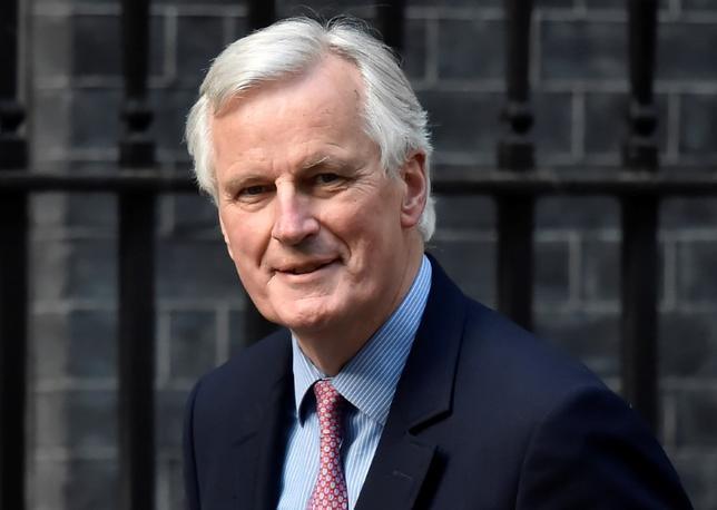 4月29日、英国を除くEU27カ国の首脳は、欧州委員会の交渉責任者であるミシェル・バルニエ氏(写真)が英国のEU離脱交渉を進める上での指針を採択した。26日、ロンドンで撮影(2017年 ロイター/Hannah McKay)