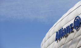 Allianz a confirmé mercredi ses prévisions pour 2017 après la publication de résultats solides au premier trimestre, légèrement supérieurs aux attentes. /Photo d'archives/REUTERS/Michaela Rehle