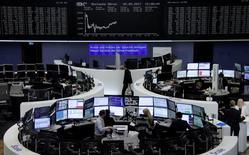 Borse Europa ritracciano dai massimi di 20 mesi, cade Hugo Boss  REUTERS/Staff/Remote
