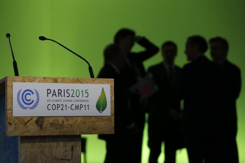 Participants gather during the World Climate Change Conference 2015 (COP21) at Le Bourget, near Paris, France, December 4, 2015.   REUTERS/Stephane Mahe