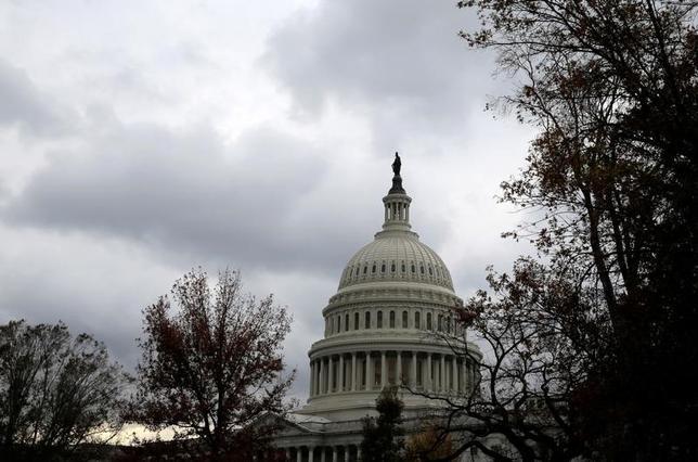 5月4日、米議会下院は北朝鮮に対する追加制裁案を419対1の圧倒的多数で可決した。米議会、ワシントンで昨年11月撮影(2017年 ロイター/Joshua Roberts)