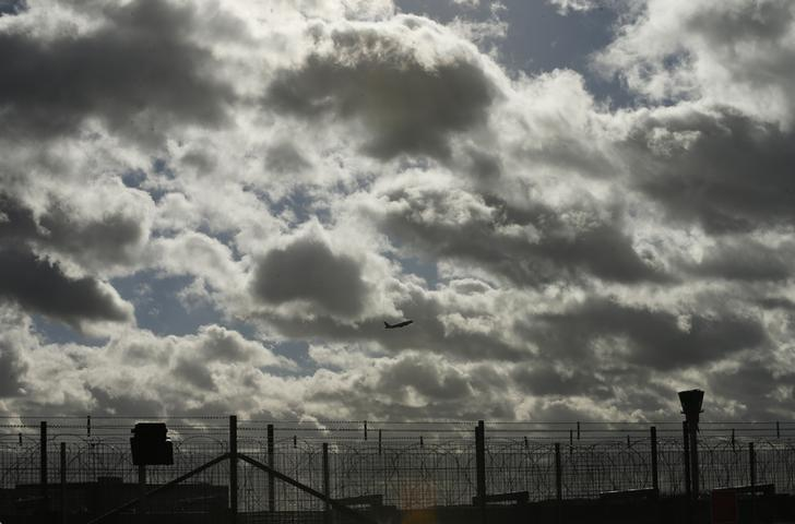 An aircraft takes off from Heathrow Airport in London, Britain, February 23, 2017. REUTERS/Andrew Boyers/Files