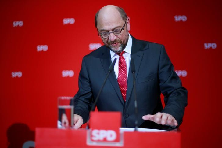 Social Democratic Party (SPD) leader Martin Schulz reacts on first exit polls after the Saarland state elections in Berlin, Germany, March 26, 2017.      REUTERS/Hannibal Hanschke/Files