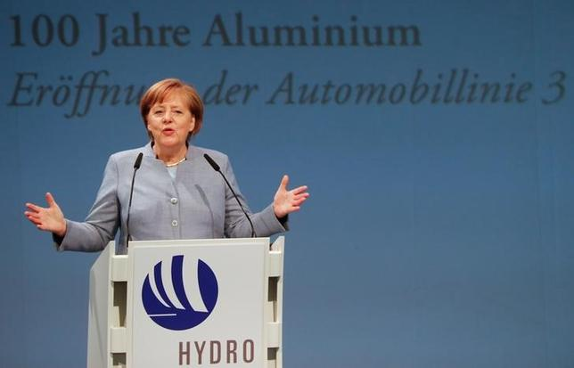 German Chancellor Angela Merkel speaks during the opening of a production line for the car industry at a branch of Norway's Hydro aluminum company in Grevenbroich, Germany May 4, 2017.    REUTERS/Wolfgang Rattay