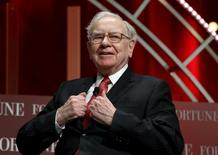 Berkshire Hathaway, à suivre à Wall Street. La société d'investissement de Warren Buffett publie après la clôture ses résultats du premier trimestre, à la veille de son assemblée générale annuelle toujours très suivie par la communauté financière. /Photo d'archives/REUTERS/Kevin Lamarque