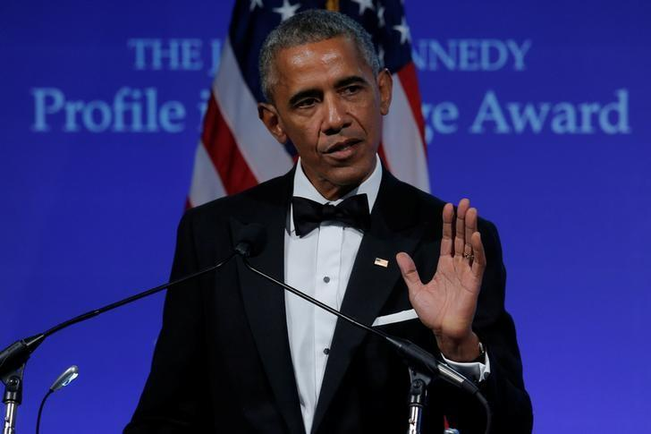 Former U.S. President Barack Obama speaks after receiving the 2017 Profile in Courage Award during a ceremony at the John F. Kennedy Library in Boston, Massachusetts, U.S., May 7, 2017.   REUTERS/Brian Snyder