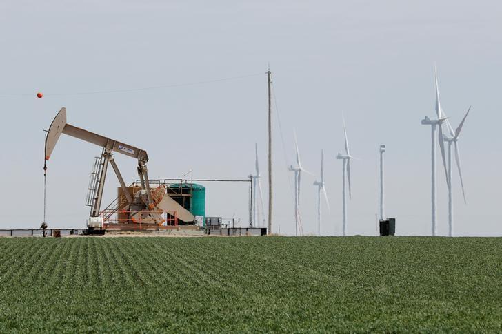 Brimming U S  oil storage tanks to feel OPEC cuts last