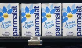 Parmalat, le groupe alimentaire italien contrôlé par le géant laitier français Lactalis, a annoncé lundi une hausse de 11,3% de son chiffre d'affaires net du premier trimestre, à 1,56 milliard d'euros. /Photo d'archives/REUTERS/Max Rossi