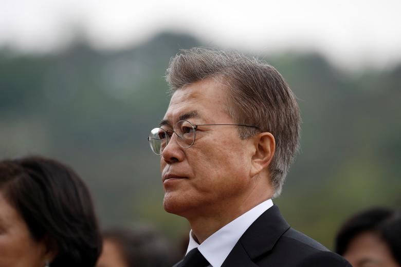 South Korea's President Moon Jae-in arrives at the National Cemetery in Seoul, South Korea, May 10, 2017.  REUTERS/Kim Hong-Ji