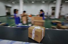 La Commission européenne a annoncé mercredi son intention de lancer de nouvelles enquêtes dans le secteur du commerce électronique après la découverte de pratiques commerciales susceptibles de restreindre la concurrence. /Photod'archives/REUTERS/Carlos Barria