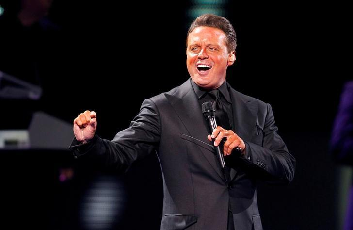 FILE PHOTO: Mexican singer Luis Miguel performs during the International Song Festival in Vina del Mar city, about 121 km (75 miles) northwest of Santiago, February 22, 2012. REUTERS/Eliseo Fernandez/File Photo
