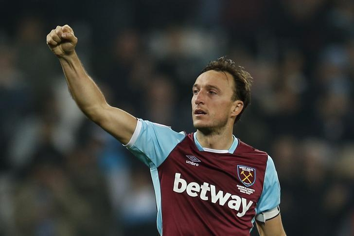 Britain Football Soccer - West Ham United v Tottenham Hotspur - Premier League - London Stadium - 5/5/17 West Ham United's Mark Noble celebrates after the match Action Images via Reuters / Andrew Couldridge/ Livepic/ Files
