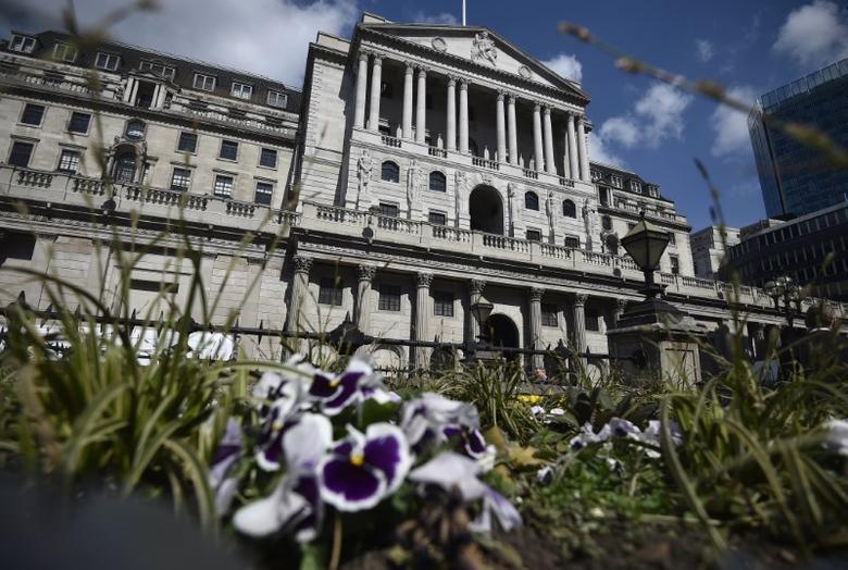 资料图片:2017年4月,伦敦,英国央行总部大楼全景。REUTERS/Hannah McKay