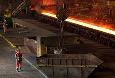 ArcelorMittal a publié vendredi pour le premier trimestre un résultat brut d'exploitation en forte hausse par rapport au trimestre précédent et supérieur aux attentes. /Photo d'archives/REUTERS/François Lenoir