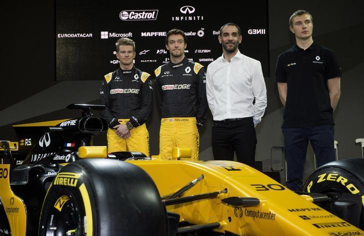 Britain Formula One - F1 - 2017 Renault Formula One Car Launch - The Lindley Hall, London - 21/2/17 Renault's Jolyon Palmer, Nico Hulkenberg, test driver Sergey Sirotkin and managing director Cyril Abiteboul during the launch Reuters / Alan Walter Livepic /Files
