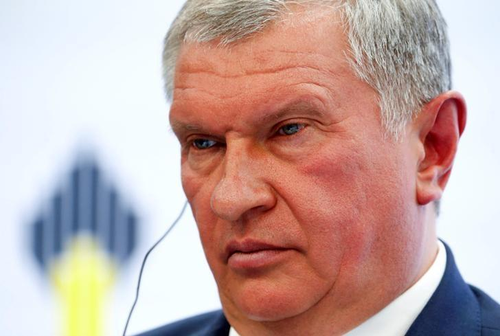 Head of Russian state oil firm Rosneft Igor Sechin attends a session of the St. Petersburg International Economic Forum 2016 (SPIEF 2016) in St. Petersburg, Russia, June 16, 2016. REUTERS/Sergei Karpukhin/File Photo