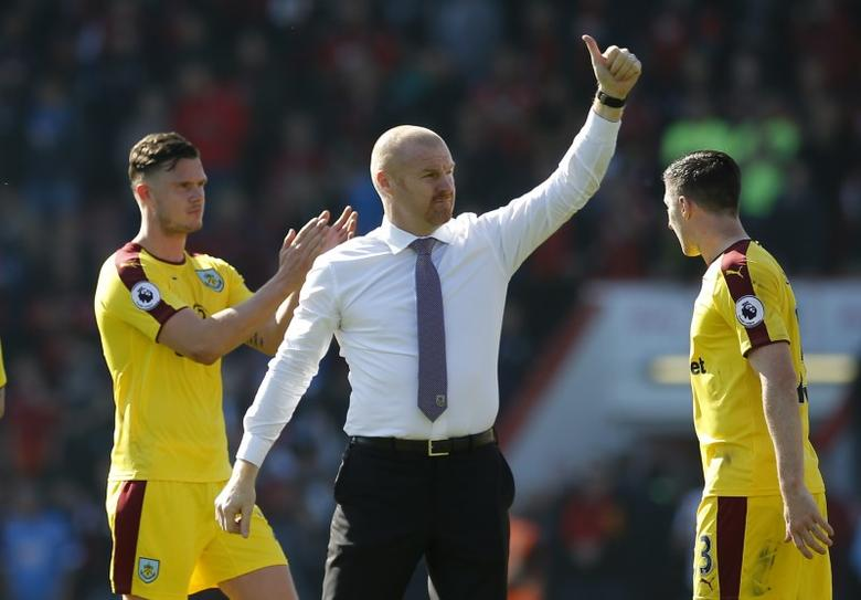 Britain Football Soccer - AFC Bournemouth v Burnley - Premier League - Vitality Stadium - 13/5/17 Burnley manager Sean Dyche acknowledges fans after the match  Action Images via Reuters / Andrew Couldridge Livepic