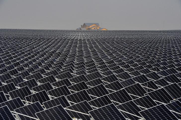 Solar panels are seen in Yinchuan, Ningxia Hui Autonomous Region, China April 18, 2017. Picture taken April 18, 2017. REUTERS/Stringer