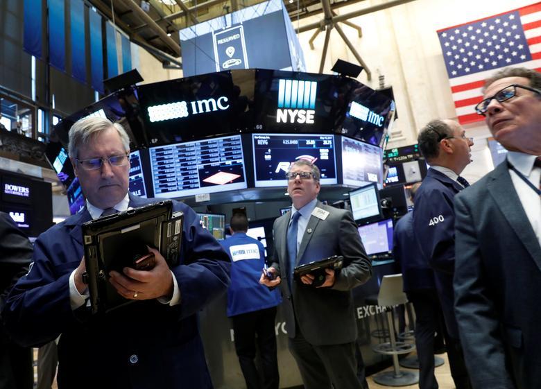 2017年5月15日,纽约证交所内交易员的工作场景。REUTERS/Brendan McDermid