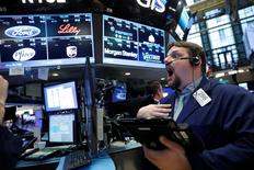Un trader a lavoro . REUTERS/Brendan McDermid