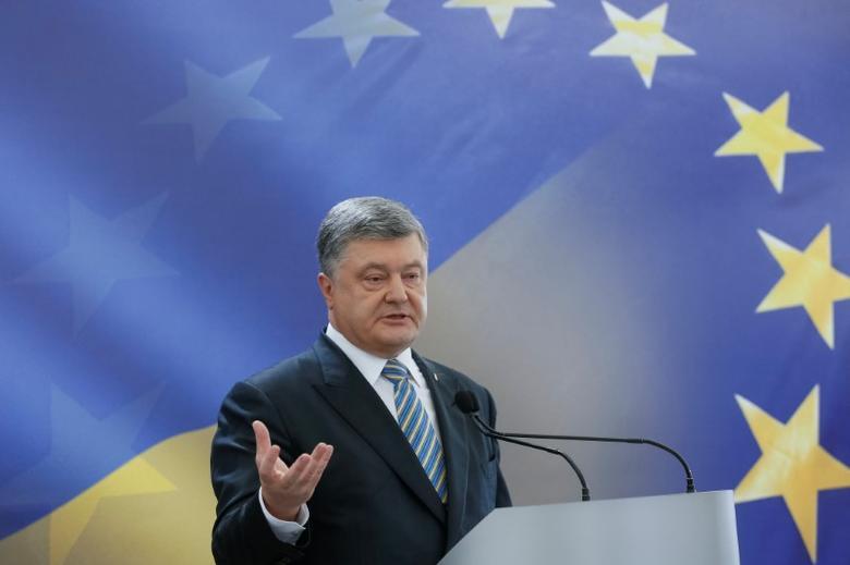 Ukrainian President Petro Poroshenko speaks during a news conference in Kiev, Ukraine, May 14, 2017.  REUTERS/Valentyn Ogirenko