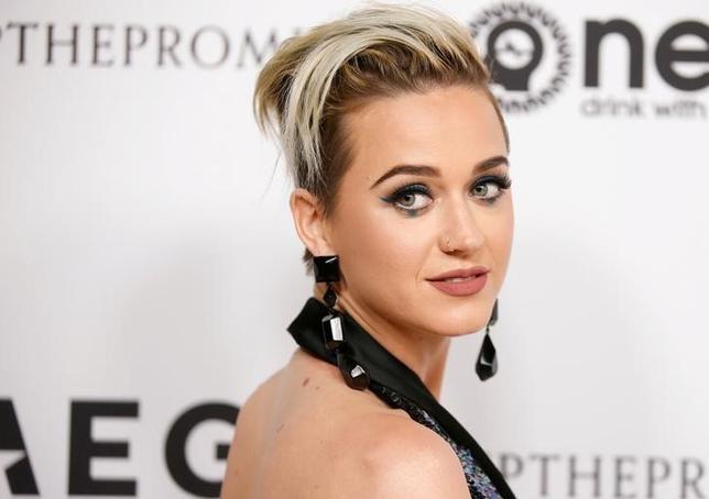 5月16日、米ABCテレビは、来年放送が始まる人気オーディション番組「アメリカン・アイドル」にポップ歌手ケイティ・ペリーが審査員として出演すると明らかにした。3月撮影(2017年 ロイター/DANNY MOLOSHOK)