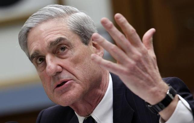 5月17日、「ロシア疑惑」を巡る独立捜査を指揮する特別検察官に、ロバート・モラー元FBI長官(写真)が任命された。今後の展開を予想した。写真は2013年6月、米議会で撮影(2017年 ロイター/Yuri Gripas)