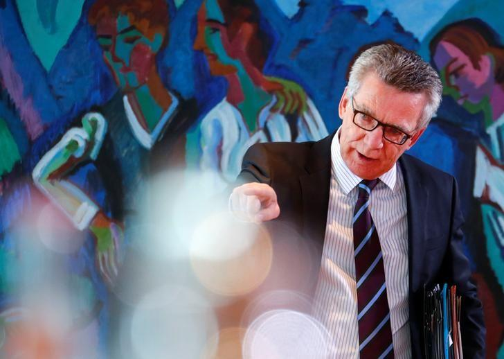 German Interior Minister Thomas de Maiziere attends the weekly cabinet meeting at the Chancellery in Berlin, Germany, May 10, 2017.    REUTERS/Fabrizio Bensch