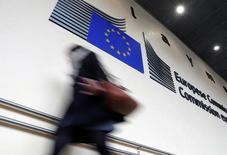 La Commission européenne annoncera le 7 juin de nouvelles initiatives dans le cadre de la refonte de son projet d'Union des marchés de capitaux afin de prendre en compte la décision de la Grande-Bretagne de quitter le bloc communautaire, a annoncé jeudi un haut responsable de l'exécutif européen. /Photo d'archives/REUTERS/Yves Herman