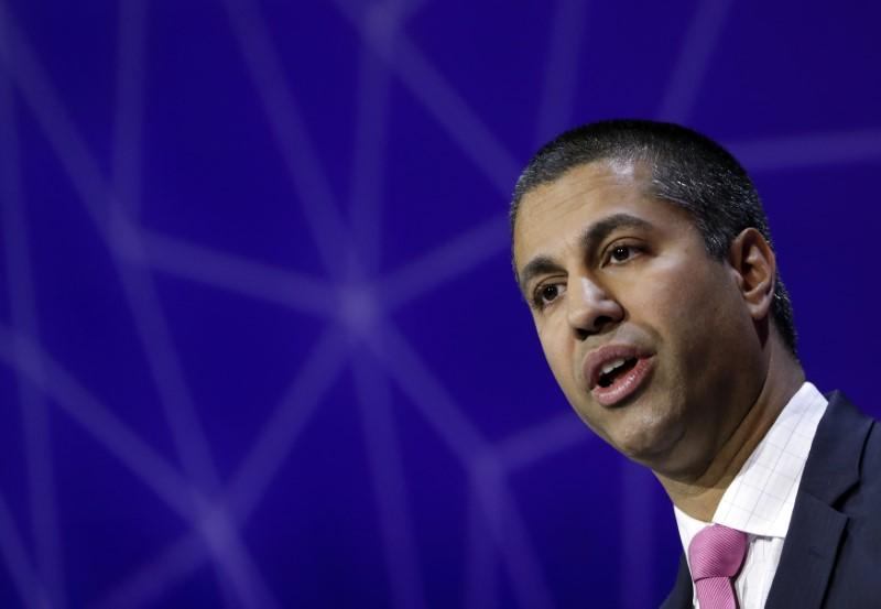 fcc votes 2 1 to advance repeal of obama era internet rules reuters