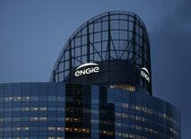Engie et RWE étudient le scénario d'une alliance franco-allemande dans le domaine de l'énergie, un rapprochement dont est tenu informé l'Etat français, ont rapporté à Reuters des sources proches du dossier. /Photo d'archives/REUTERS/Jacky Naegelen