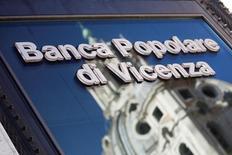 Il logo di Banca Popolare di Vicenza, in una filiale a Roma.  REUTERS/Alessandro Bianchi
