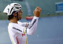 متسابق الدراجات الكولومبي فرناندو جافيريا - صورة من أرشيف رويترز.