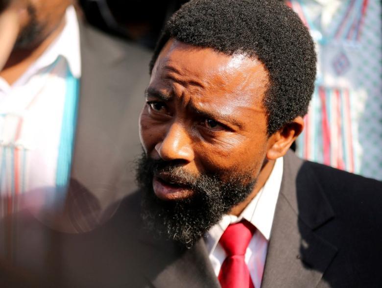 FILE PHOTO: Jailed AbaThembu King Buyelekhaya Zwelibanzi Dalindyebo speaks to journalists in Pretoria July 10, 2013.  REUTERS/Sumaya Hisham/File Photo