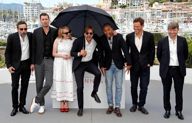 bourgeois art world skewered in cannes movie the square reuters