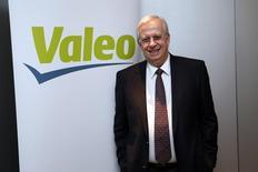 Les actionnaires de Valeo se sont prononcés mardi en faveur d'une hausse de la rémunération du PDG Jacques Aschenbroich malgré les critiques du cabinet de conseil aux actionnaires Proxinvest contre ce projet. /Photo d'archives/REUTERS/Benoît Tessier